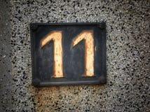 Plat rouillé en métal carré grunge de vintage du nombre d'adresse image libre de droits