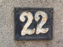 Plat rouillé en métal carré grunge de vintage du nombre d'adresse avec le nombre photo stock