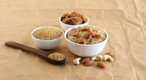 Plat végétarien indien du sud doux de Pongal fait utilisant le millet de basse-cour photographie stock