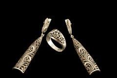 Plata, anillo y pendientes antiguos Foto de archivo libre de regalías