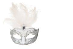 Plata bastante veneciana y máscara blanca del carnaval con la ISO de las plumas Imágenes de archivo libres de regalías