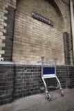 Plataforma 9 y 3/4 en reyes Cross Station Fotos de archivo libres de regalías