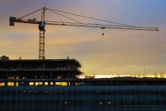 Plataforma aérea da construção no alvorecer Imagem de Stock Royalty Free