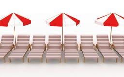 Plataforma-cadeiras com parasóis Fotografia de Stock Royalty Free