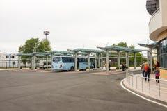 A plataforma de aterrissagem no terminal de ônibus do sul em Burgas Bulgária Fotografia de Stock