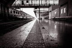 Plataforma de Bangkok Hua Lamphong Railway Station imagen de archivo