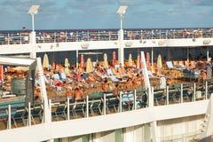 Plataforma de Lido nos oásis dos mares Fotos de Stock