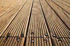 Plataforma de madeira aparafusada Fotografia de Stock Royalty Free