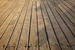 Plataforma de madeira ensolarado fotos de stock royalty free