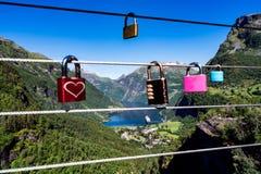 Plataforma de observação da vigia do ponto de opinião do fiorde de Geiranger, Noruega Foto de Stock