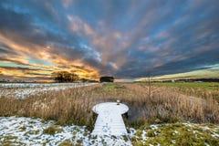 Plataforma de observação nevado na paisagem do inverno Fotografia de Stock Royalty Free