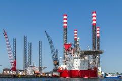 Plataforma de perforación en el puerto de Amsterdam Fotos de archivo libres de regalías