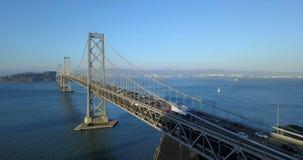 Plataforma de ponte lenta de viagem San Francisco da baía do tráfego das horas de ponta CA vídeos de arquivo