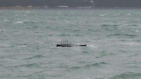 Plataforma de salto en el puerto de Wellington en una tormenta almacen de metraje de vídeo