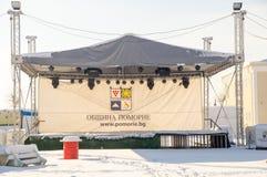 Plataforma del concierto del Año Nuevo en el invierno Pomorie, Bulgaria Foto de archivo