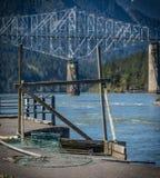 Plataforma e redes da pesca da rede de mergulho do nativo americano Foto de Stock