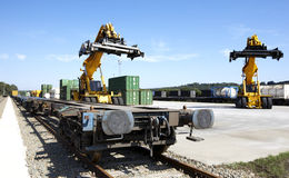 Plataforma ferroviaria Fotos de archivo libres de regalías