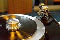 Plataforma giratória Audiophile com registro de vinil fotografia de stock