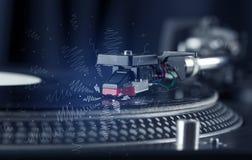 Plataforma giratória que joga a música com linhas transversais tiradas mão Foto de Stock