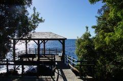 Plataforma na extremidade da fuga do verde de Laguna Foto de Stock Royalty Free