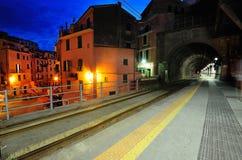 Plataforma na vila de Vernazza Fotografia de Stock