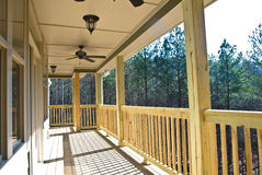 Plataforma/patamar de madeira na casa Fotos de Stock Royalty Free