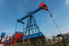 Plataforma petrolífera da terra foto de stock