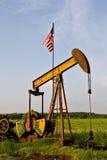 Plataforma petrolera con el indicador americano imagen de archivo libre de regalías
