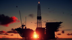 Plataforma petrolera en el océano, cierre para arriba, salida del sol hermosa del lapso de tiempo, cantidad común metrajes