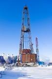 Plataforma petrolera vieja Imagen de archivo libre de regalías