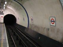 Plataforma subterrânea de Londres mais baixa Fotografia de Stock Royalty Free