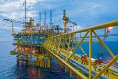 Plataformas de la transferencia del petróleo y gas Fotografía de archivo libre de regalías