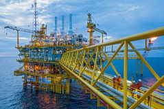 Plataformas de transferência do petróleo e gás Fotografia de Stock Royalty Free