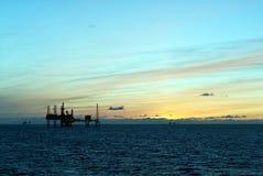 Plataformas petroleras en Mar del Norte Imagenes de archivo
