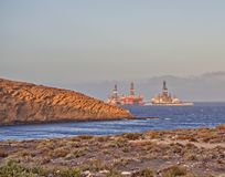 Plataformas petroleras en Medano imagenes de archivo