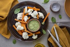Pesto dip with vegetables Royalty Free Stock Photography