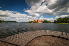 Plate-forme d'observation dans Trakai Photos stock