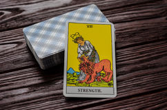 Plate-forme de cavalier-Waite de tarot de cartes Photo stock