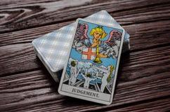 Plate-forme de cavalier-Waite de tarot de cartes Image stock