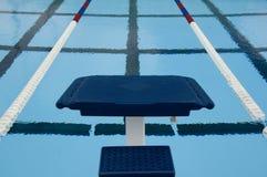Plate-forme de concurrence de plongée Image libre de droits