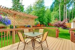Plate-forme de débrayage avec le secteur de patio Images libres de droits