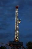Plate-forme de forage de forage de pétrole de terre Photographie stock