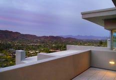 Plate-forme de patio d'arrière-cour de maison de sud-ouest de l'Arizona Images stock
