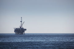 Plate-forme de perçage extraterritoriale de plate-forme pétrolière Images stock