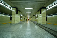 Plate-forme de souterrain images stock
