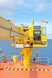 plate-forme en mer d'extérieur de tête de puits de grue Photo libre de droits