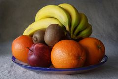 Plate of fresh fruit Royalty Free Stock Images
