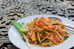 A plate of fried noodle with shrimp in Thai Style Royalty Free Stock Images
