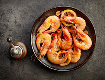 Plate of fried spiced prawns Royalty Free Stock Photos