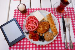 Free Plate Of Breakfast With An E-book Reader. Royalty Free Stock Photo - 191493325